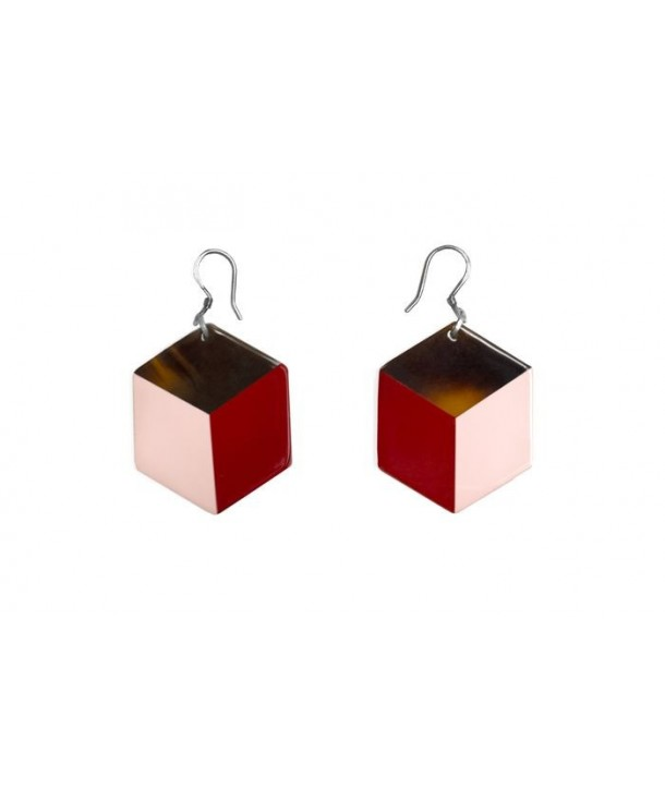 Hexagonal earrings with pink and red lacquer