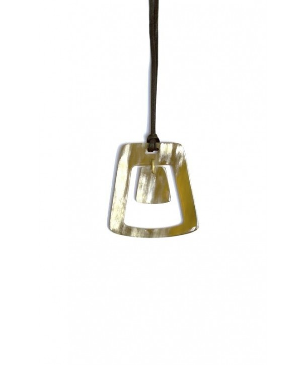 Trapeze Pendant in Blond horn