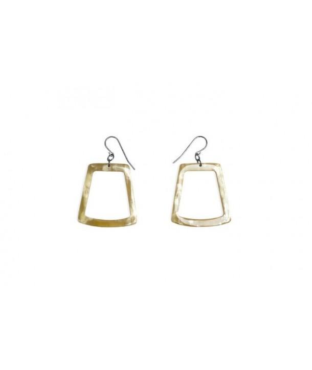 Trapeze earrings in blond horn