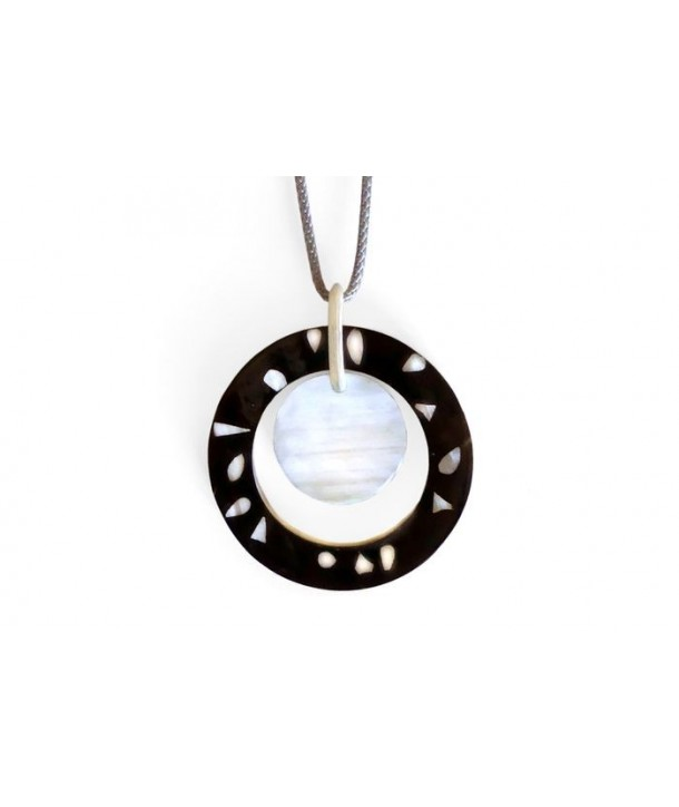 Ring pendant with disc in white horn Terrazo style