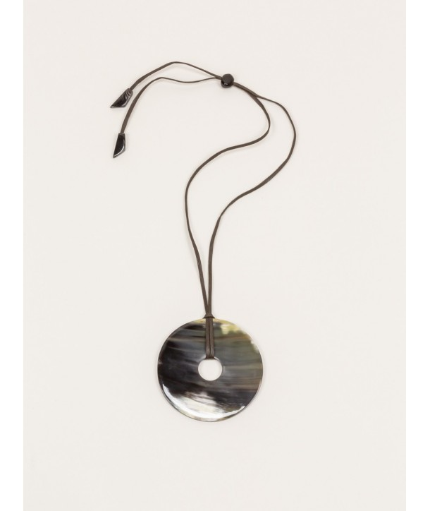 Large flat ring pendant in marbled black horn