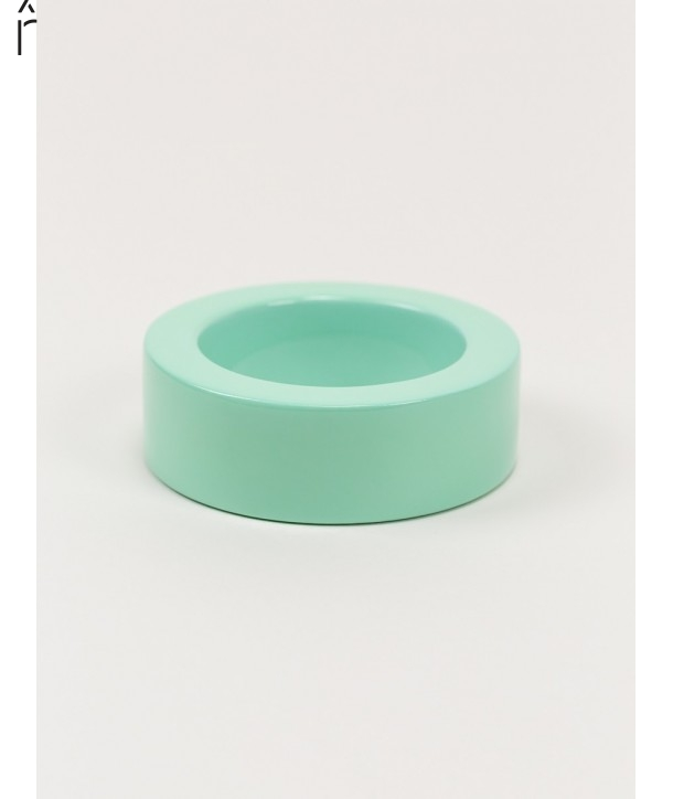 Round green mint lacquered bracelet with straight edge size L