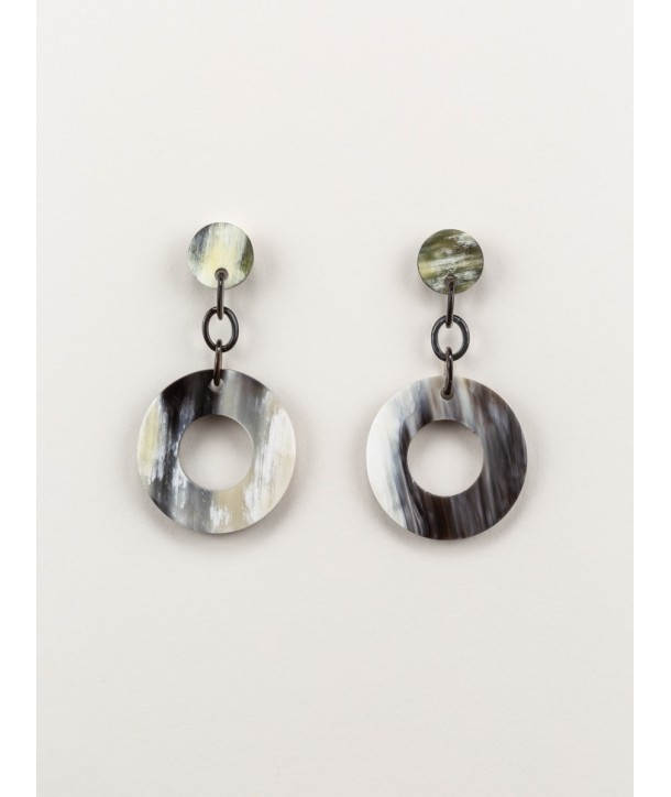 Boucles d'oreilles anneau large en corne noire marbrée