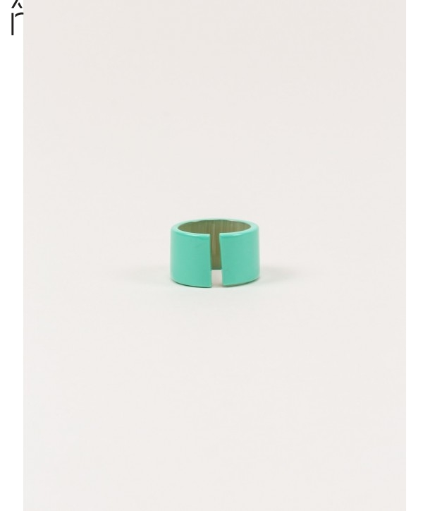 Jonque ring in blond horn and mint lacquer