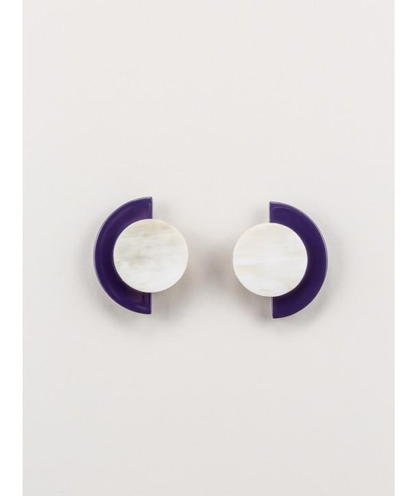 """Boucles d'oreilles """"Terrasse"""" en corne blonde et laque violet"""