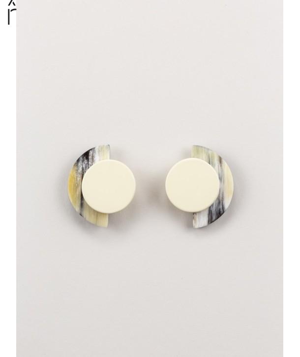 Boucles d'oreilles Terrasse en corne noire et laque brique