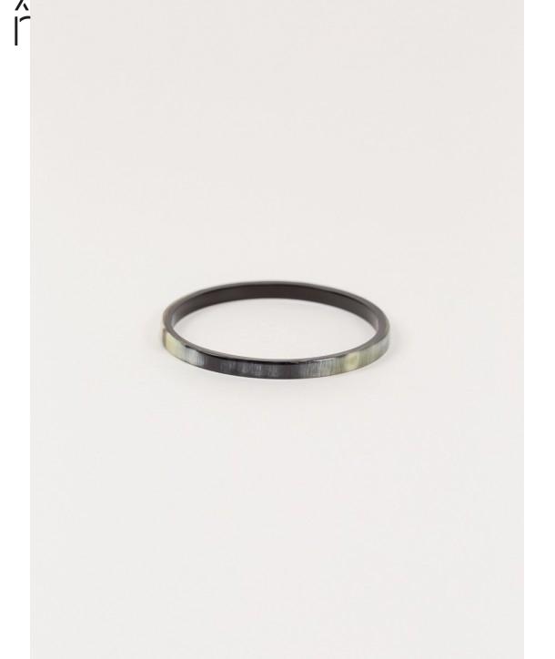 Thin Bandeau Bracelet in marbled black horn