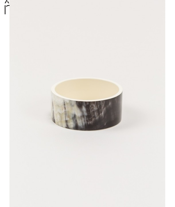 Bandeau wide bracelet in horn and ivory lacquer