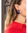 """Boucles d'oreilles """"Onde"""" en corne blonde et laque violet"""