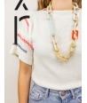 """Sautoir """"Tige"""" anneaux rectangulaires en corne blonde avec laque orange et menthe"""