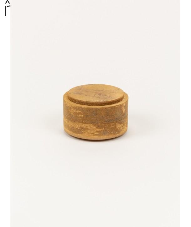 Small round box in natural cinnamon
