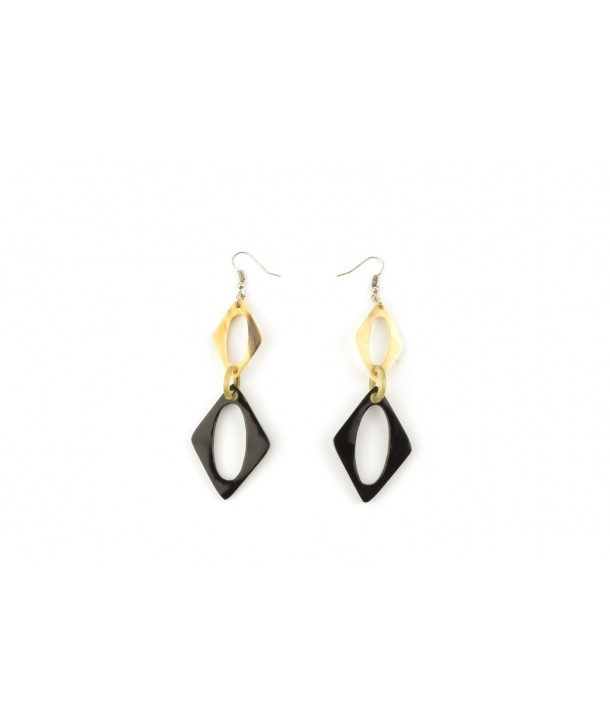 Diamond shape earrings in blond and black horn