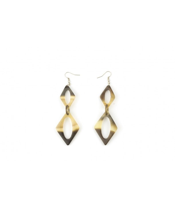 Diamond shape earrings in hoof