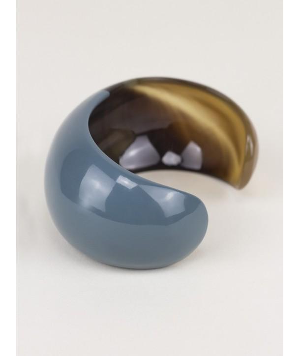 Bracelet ouvert bombé et laqué bleu gris