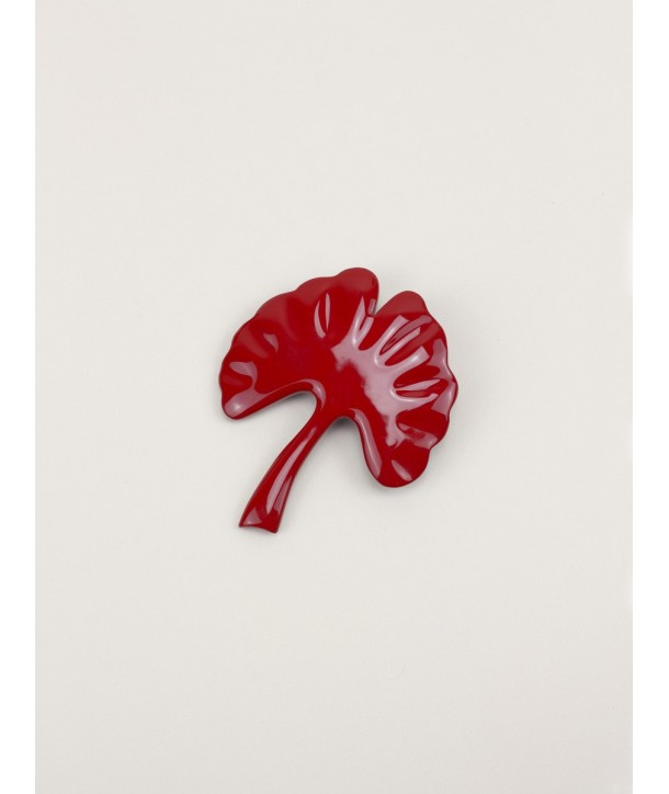 Red lacquered gingko brooch