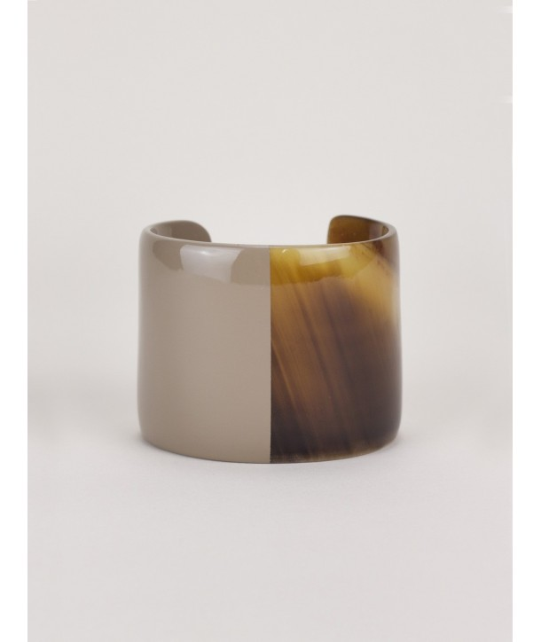 Cream-coffee lacquered natural horn cuff