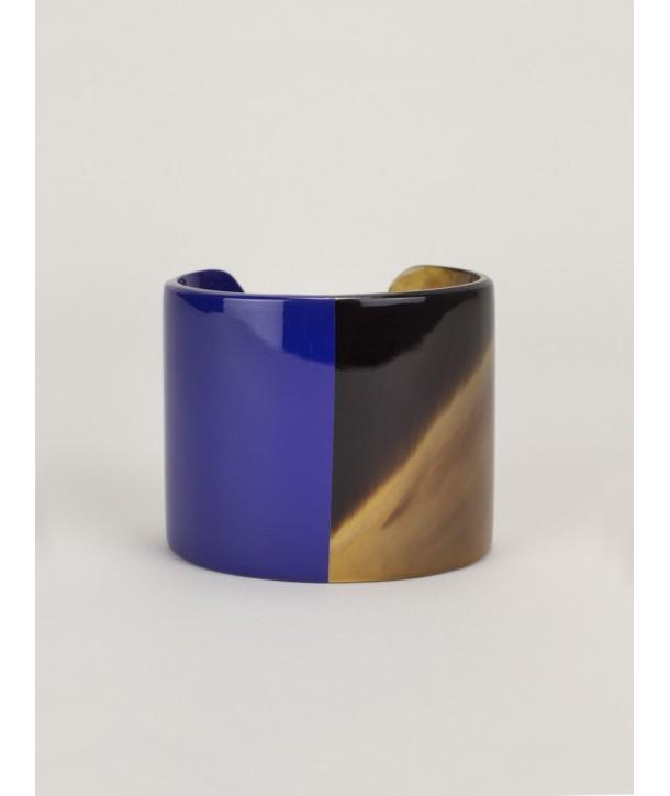 Manchette en corne naturelle laquée bleu indigo