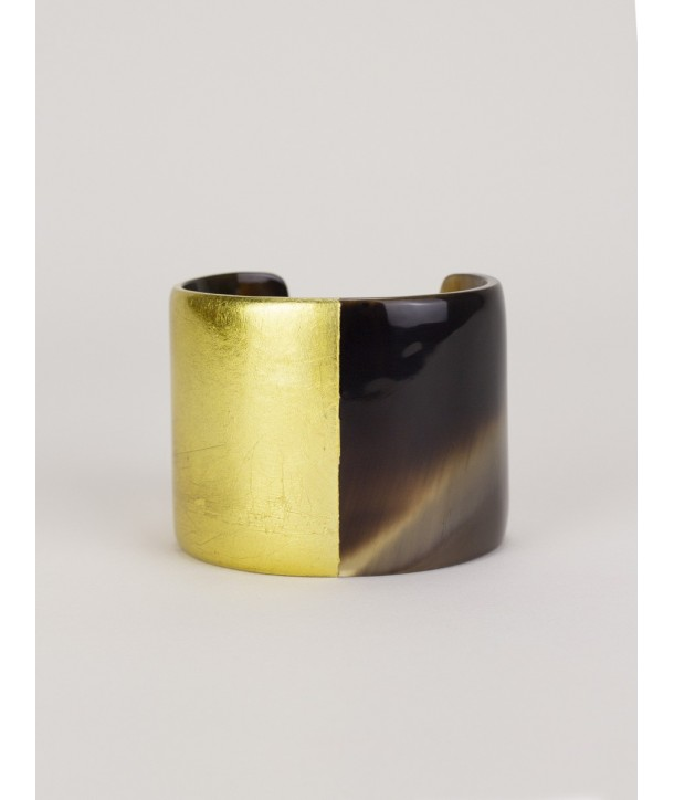 Gold-lacquered natural horn cuff