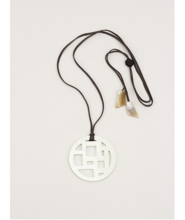 Checkered ivory lacquered pendant