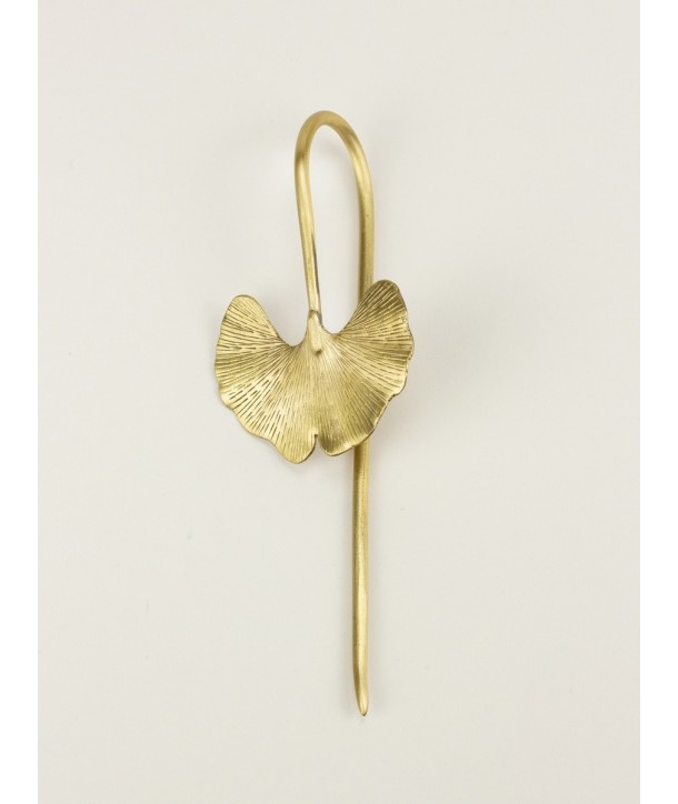 Gingko-shaped hairpin in coppery brass