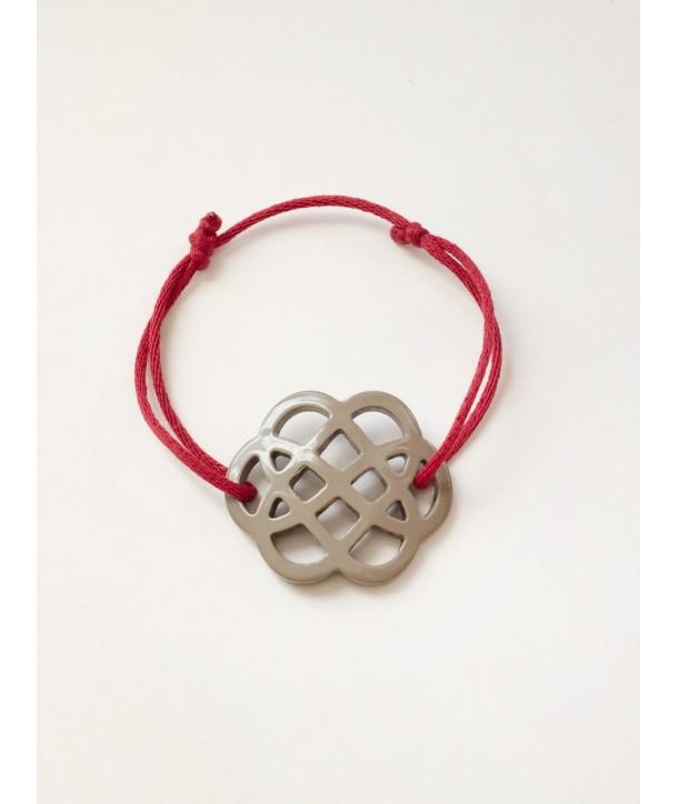 Bracelet fil fleur laquée café crème