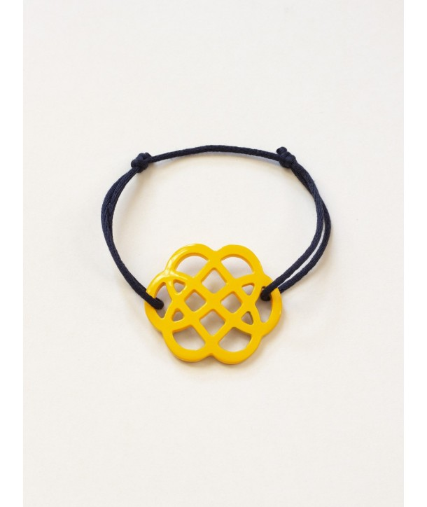 Yellow lacquered flower-shape wire bracelet