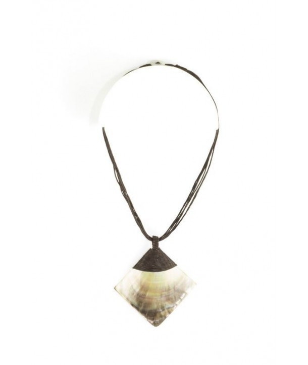Brown moter-of-pearl rhombus pendant sheathed in brown cotton