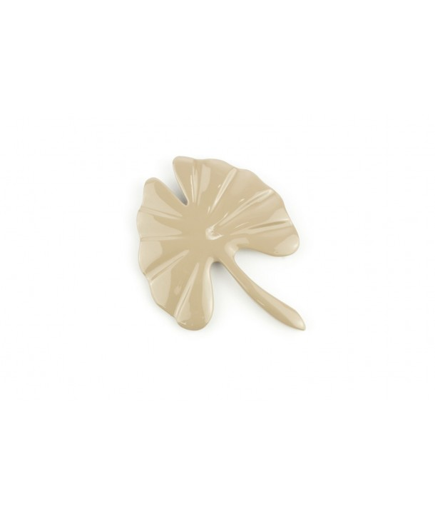 Large cream coffee lacquered gingko brooch