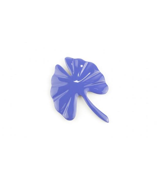 Grande broche gingko laquée bleu indigo