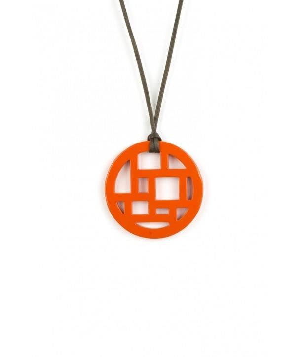 Pendentif damier bords libres laqué orange