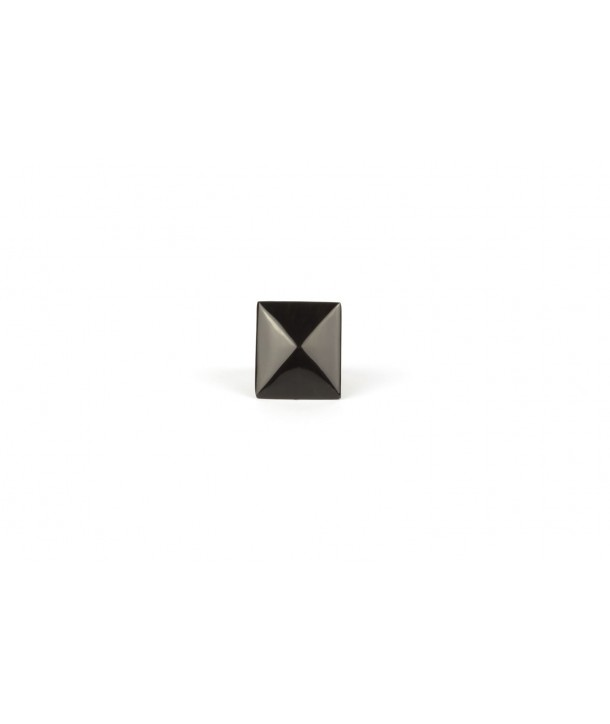 Pyramid ring in plain black horn