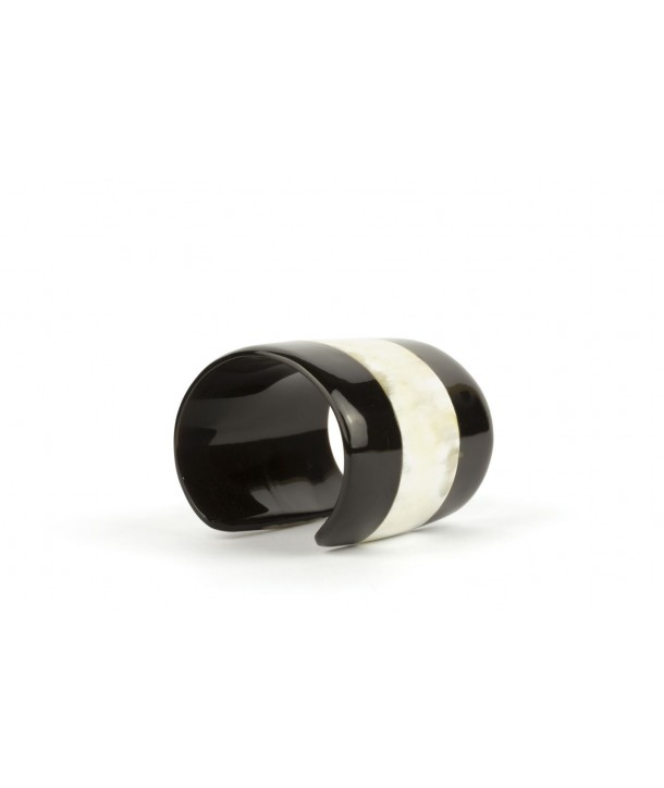 Cuff in blond and black horn
